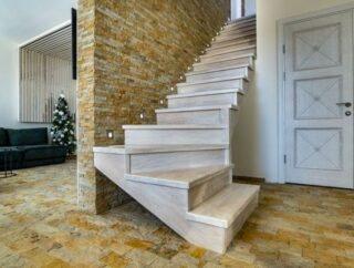 Jak dbać o schody drewniane?